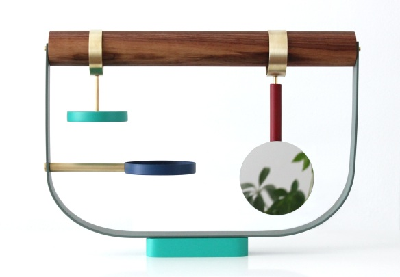 A jewellery stand inspired by birds